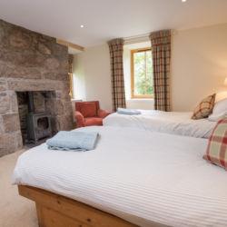 Braehead twin bedroom 2