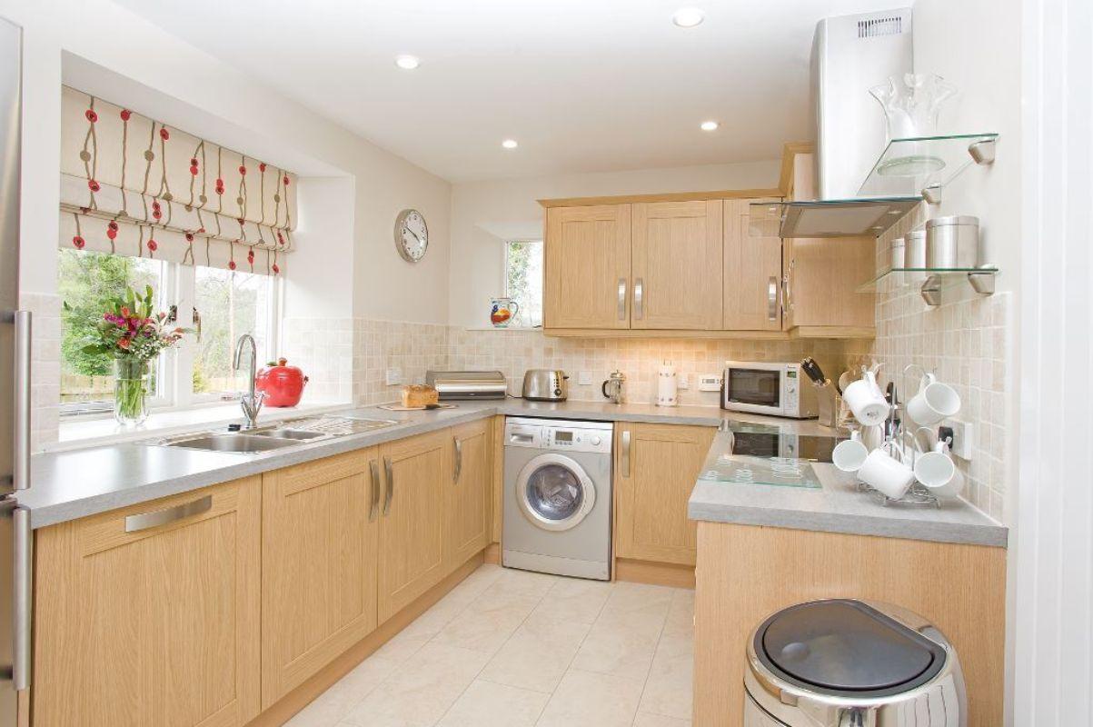 Garden cottage luxury accommodation for Garden room kitchen